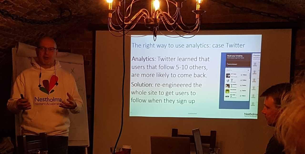 Topi Järvinen from Nestholma using Twitter as an example of using analytics.
